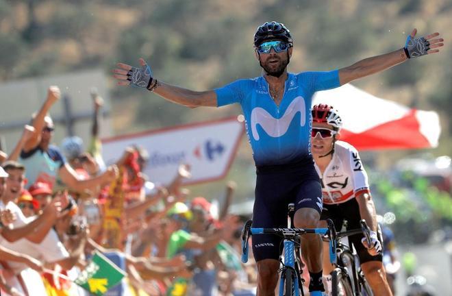 Valverde, celebrando su triunfo en la Vuelta a España.