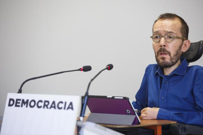 Pablo Echenique, secretario de Organización de Podemos, en rueda de...