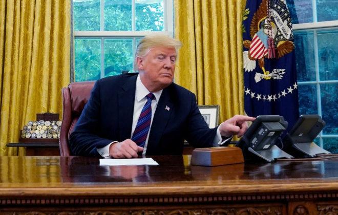 Donald Trump, en la conversación con Enrique Peña Nieto durante el anuncio del acuerdo.