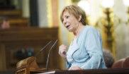 Celia Villalobos. durante una intervención en un Pleno del Congreso.