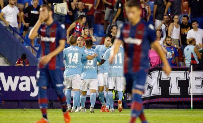 Maxi Gómez, celebra su gol anotado frente al Levante, el segundo del partido.