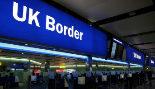 Control de pasaportes en en el aeropuerto de Heathrow, en Londres.
