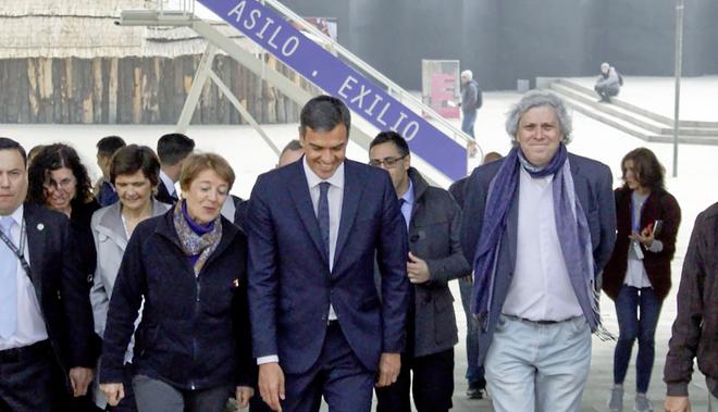 Pedro Sánchez, entre los responsables del Museo de la Memoria de...