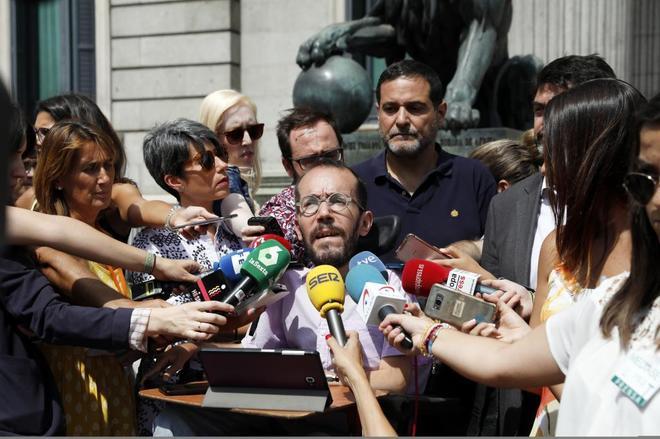 Pablo Echenique, secretario de Organización de Podemos, tras la...
