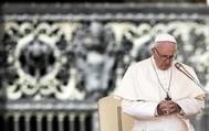 El Papa Francisco durante su audiencia general de los miércoles en la plaza de San Pedro en el Vaticano.