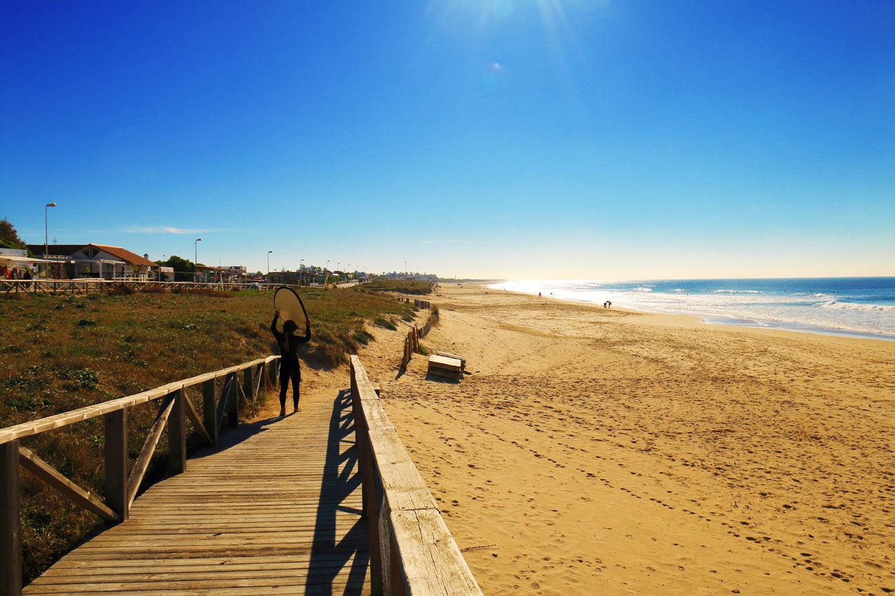 Pocos lugares para alargar el verano como Cadizfornia, un término que...