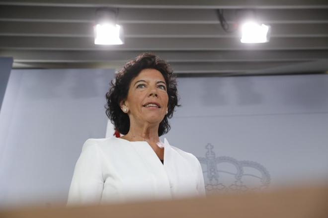 La ministra portavoz del Gobierno, Isabel Celáa, este viernes en La...