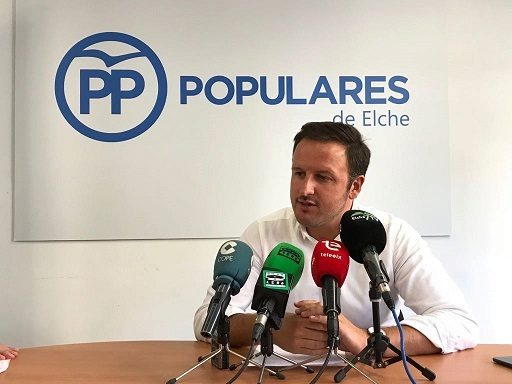 Pablo Ruz, presidente local del PP de Elche, durante  la presentación de las líneas generales para el nuevo curso político