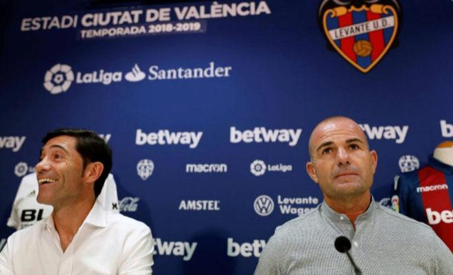 Los entrenadores del Valencia CF y del Levante UD, Marcelino García Toral y Paco López.