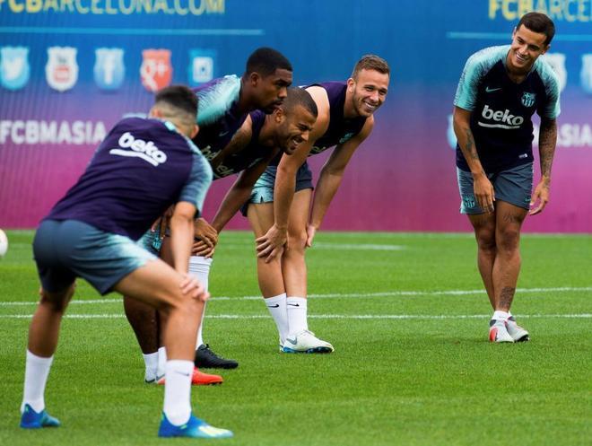 Los brasileños Malcom, Rafinha, Arthur y Coutinho, en un entrenamiento con el Barcelona