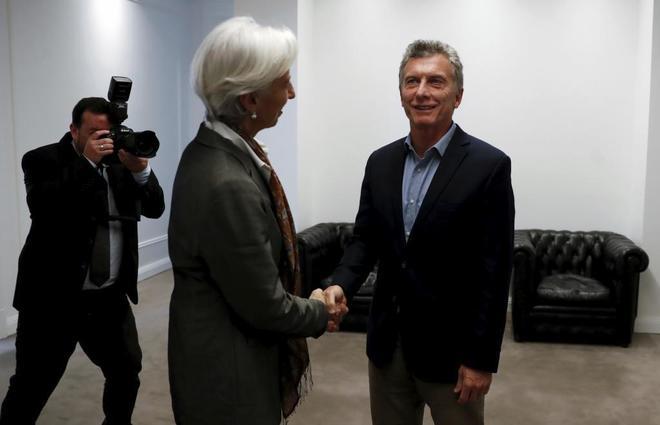 La directora gerente del FMI, Chistine Lagarde, y el presidente argentino, Mauricio Macri, en primavera.