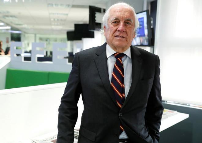 Carlos Espinosa de los Monteros durante una entrevista.