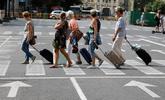 Las pernoctaciones en establecimientos hoteleros cayeron un 2,2 % en...