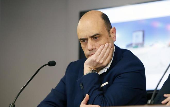 Gabriel Echávarri, en una de sus últimas comparecencias como alcalde de Alicante.