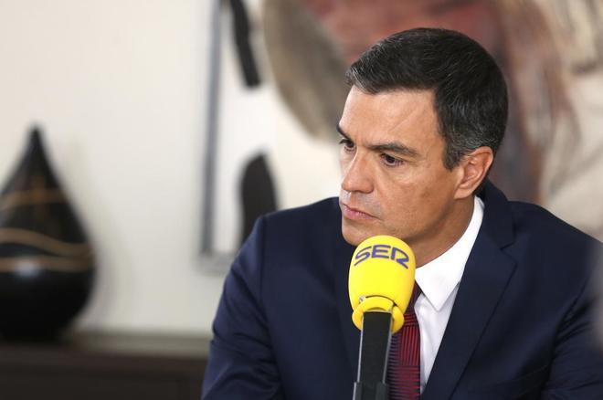 El presidente del Gobierno, Pedro Sánchez, durante una entrevista...