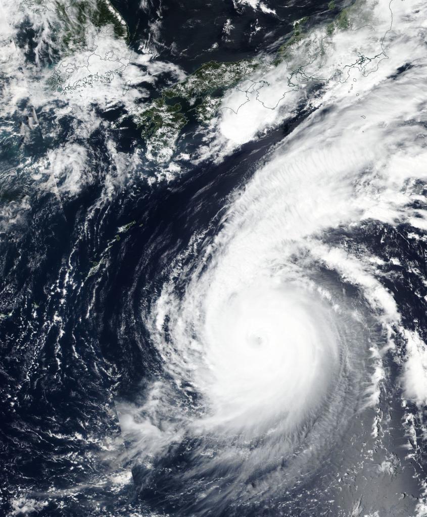 Imagen aérea de Jebi, el tifón más poderoso en llegar a Japón en 25 años, que golpeó con violencia la mitad occidental del país asiático