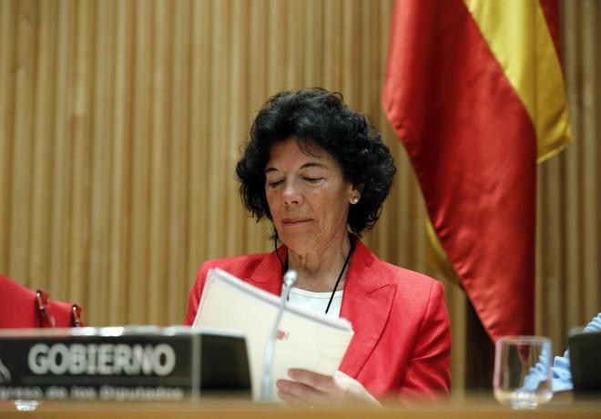 La portavoz y ministra de Educación, Isabel Celaá, en una...