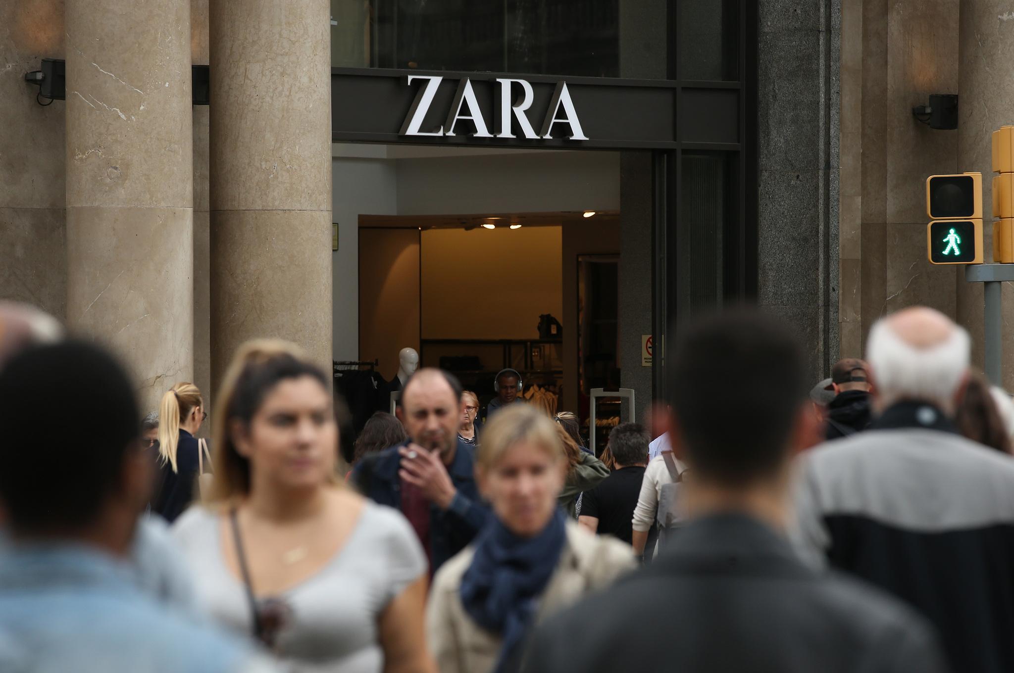 84482c40e33 Así es la nueva tienda de Zara en Milán y ventas  online  en todo el mundo