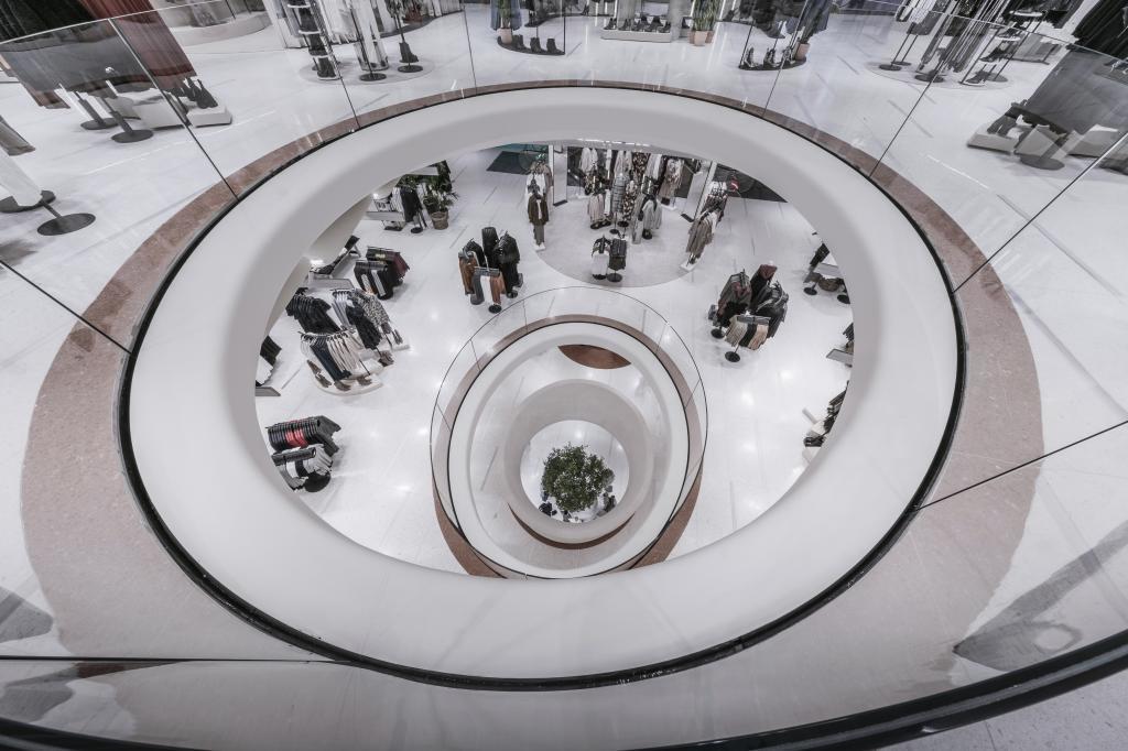 eaccd4c6f Zara reabre su 'cinema' en Milán, un revolucionario híbrido entre ...