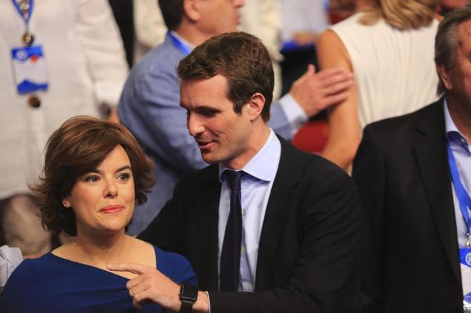 Soraya Sáenz de Santamaría y Pablo Casado en el último Congreso del PP.
