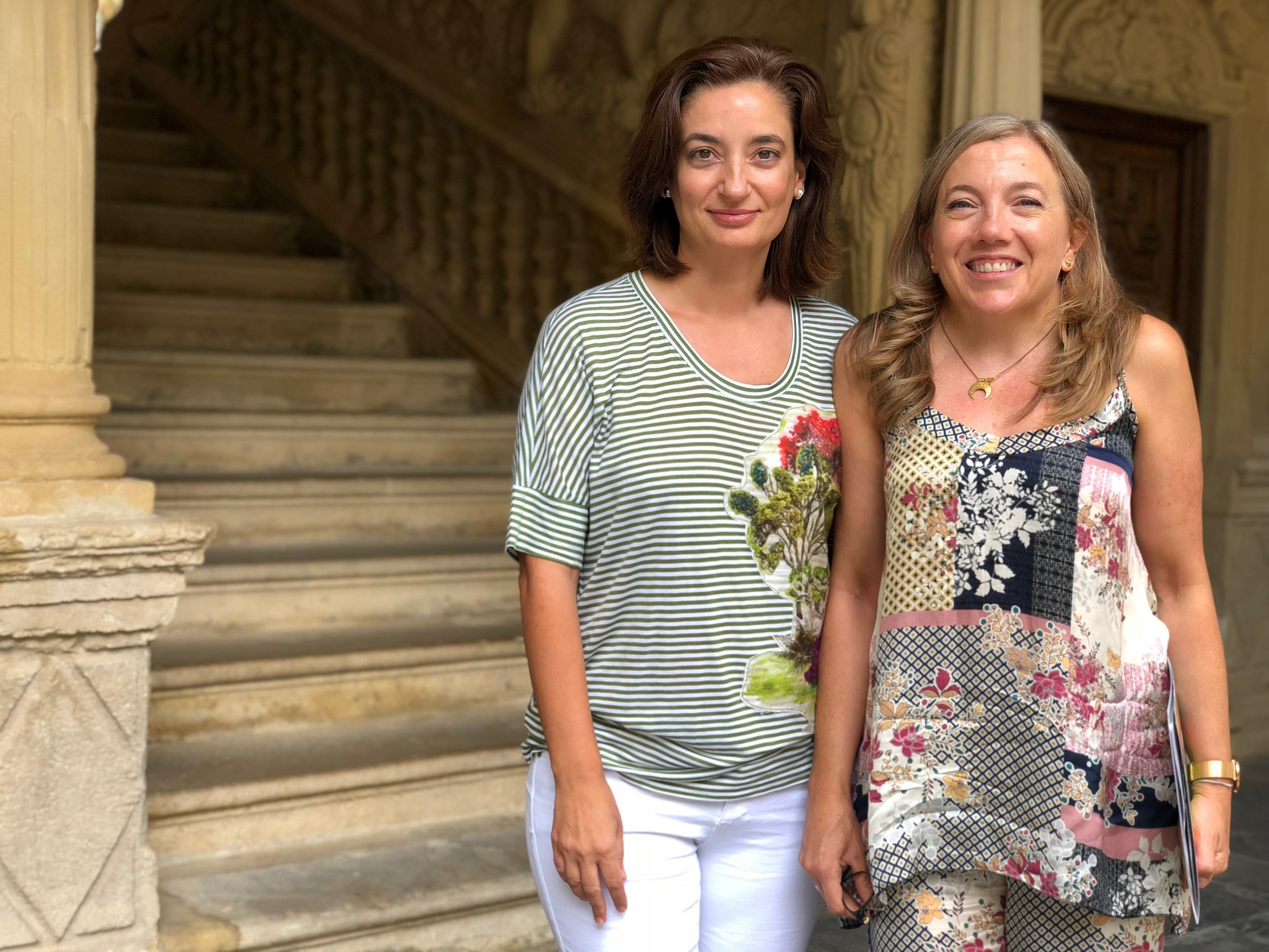 María Peinado y Eva Funes en la sede Antonio Machado de Baeza.