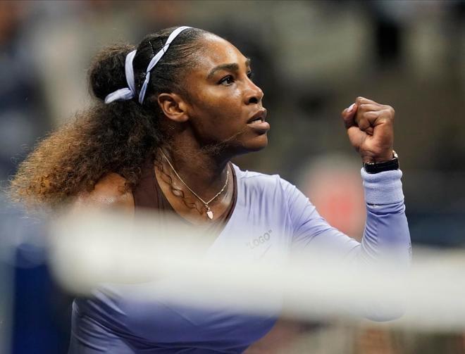 Serena Williams celebra un punto durante la semifinal del US Open