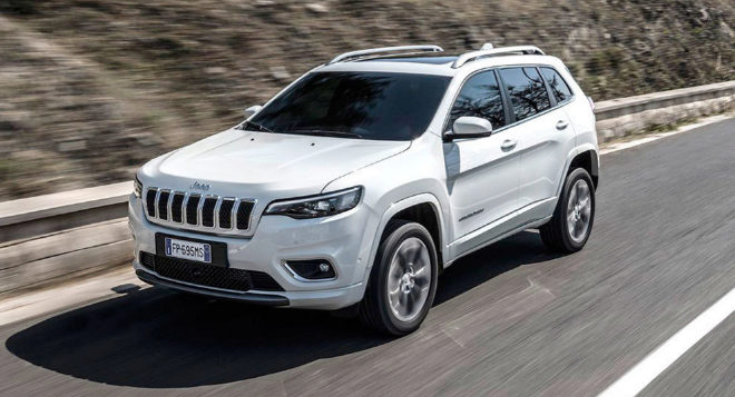 Cherokee For Less >> At The Wheel Of The Jeep Cherokee 2018 More Equipped For 1 000