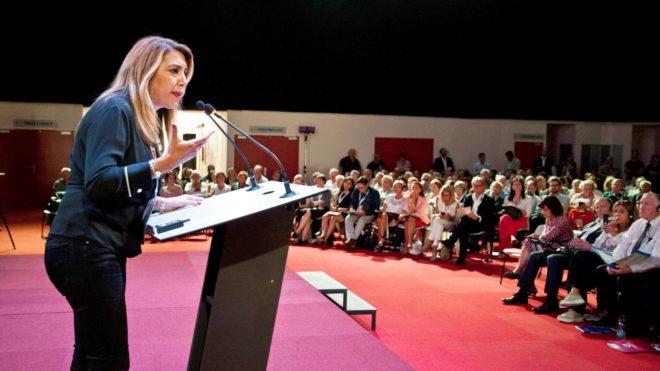 Susana Díaz, participa en una reunión en Carcassone sobre el Fondo Social Europeo.