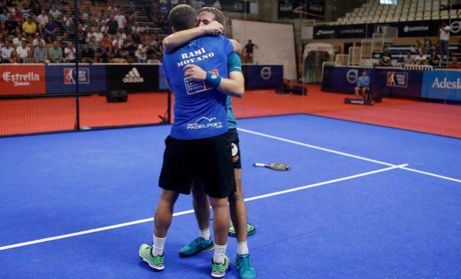 Moyano y Capra, exultantes tras el final del partido en Lugo.