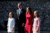 La Princesa Leonor, con los Reyes y la Infanta Sofía, a su llegada al...