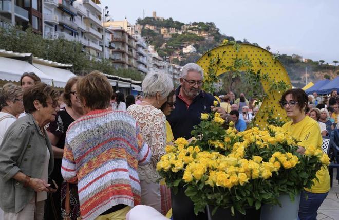 'Cena amarilla' cerca del restaurante que no quiere lazos independentistas