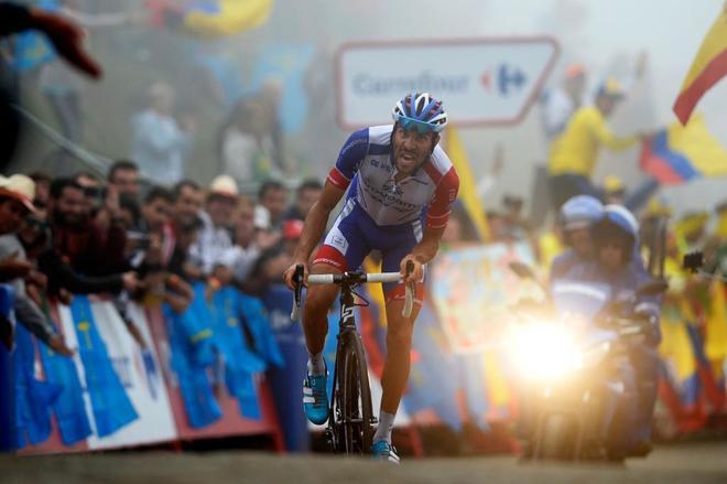 Pinot completa los últimos metros de la etapa 15 de la Vuelta.