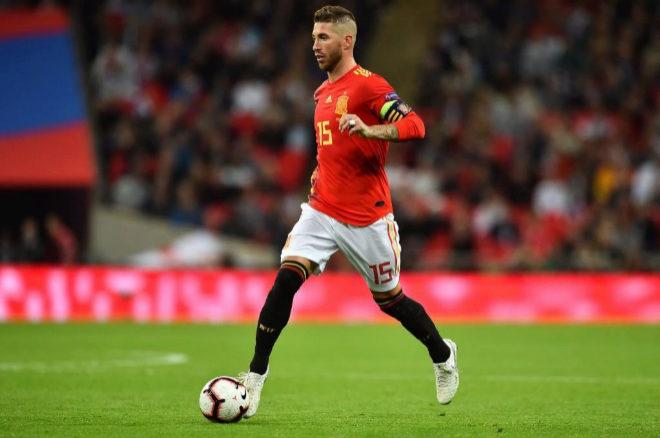 Sergio Ramos durante el primer partido de la selección en la UEFA...