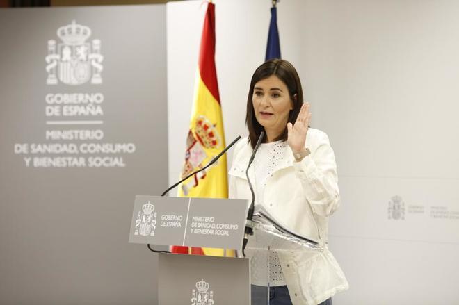 La ministra Carmen Montón ayer en rueda de prensa.