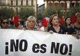 Concentración contra la violencia machista en la plaza del Castillo...