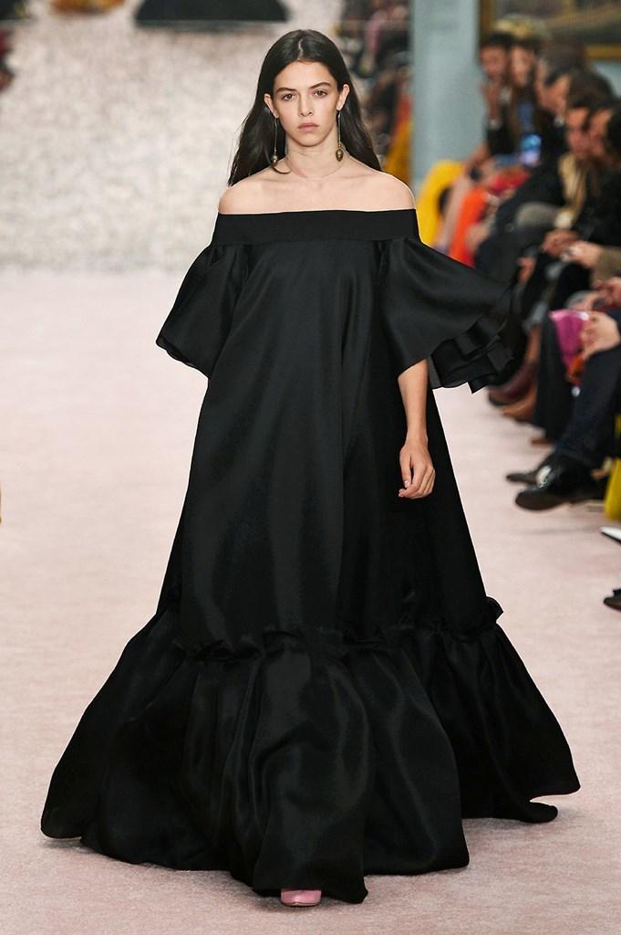 c7d573be81 Desfile Carolina Herrera - Colección primavera-verano 2019 - Semana de la  Moda de Nueva