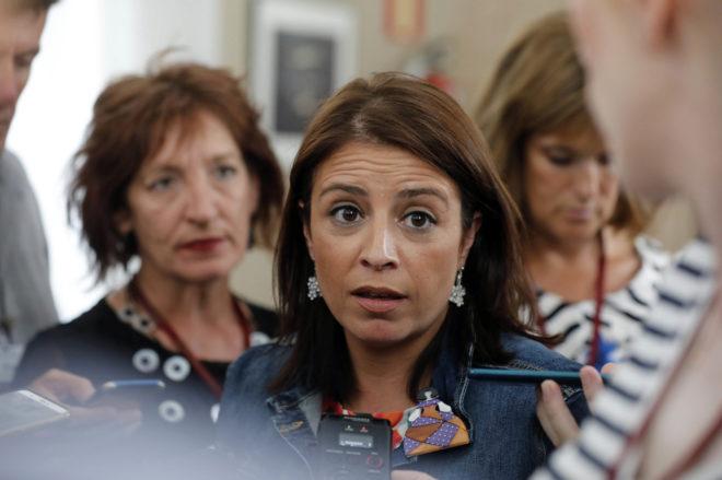 La portavoz socialista, Adriana Lastra, en el Congreso de los...
