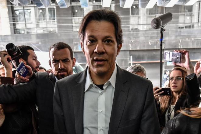 Fernando Haddad, el nuevo candidato por el Partido de los Trabajadores, en Curitiba.