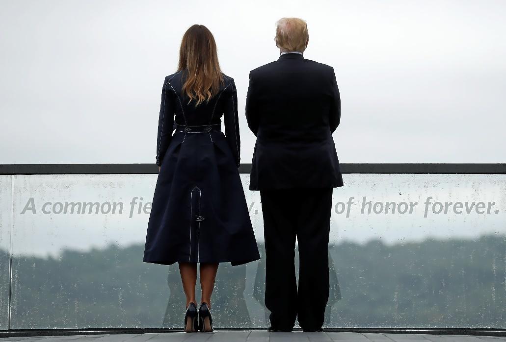 El presidente de EEUU, Donlad Trump, y su mujer, Melania, acuden a una ceremonia homenaje a las víctimas del 11-S en Shanksville, Pensilvania.