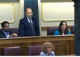Mariano Pérez-Hickman (de pie), durante la toma de posesión de su...