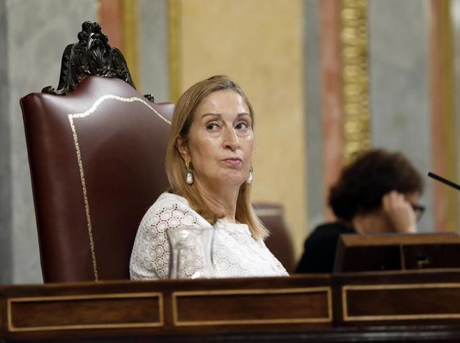 La presidenta del Congreso, Ana pastor, durante la sesión de control...