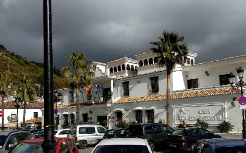 Fachada del Ayuntamiento de Mijas.