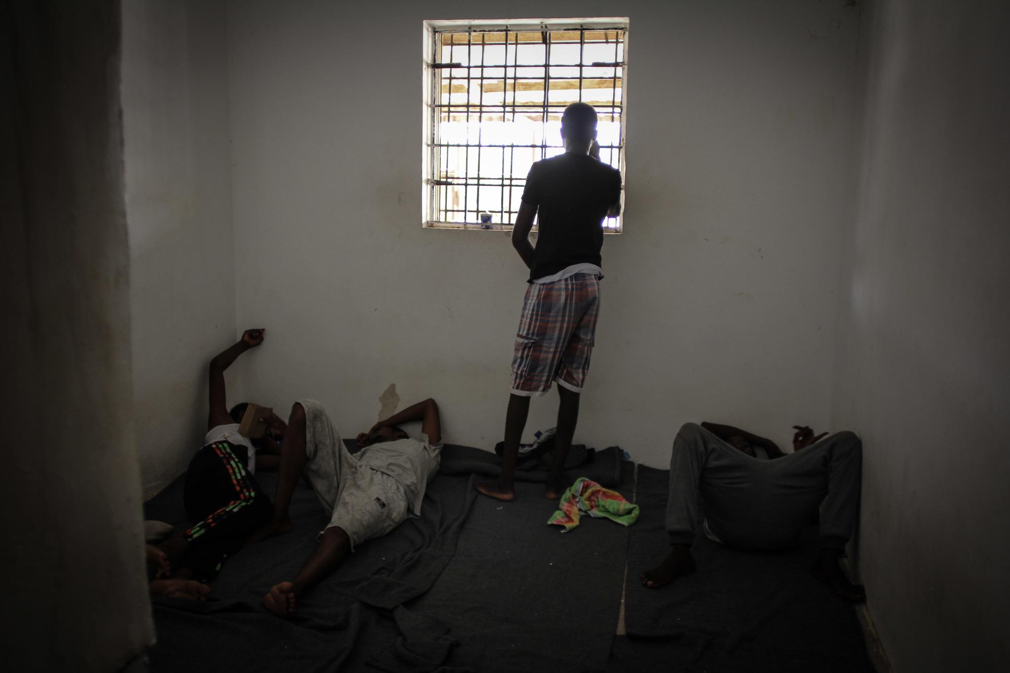 Imagen del interior del centro de detención para inmigrantes en Libia.