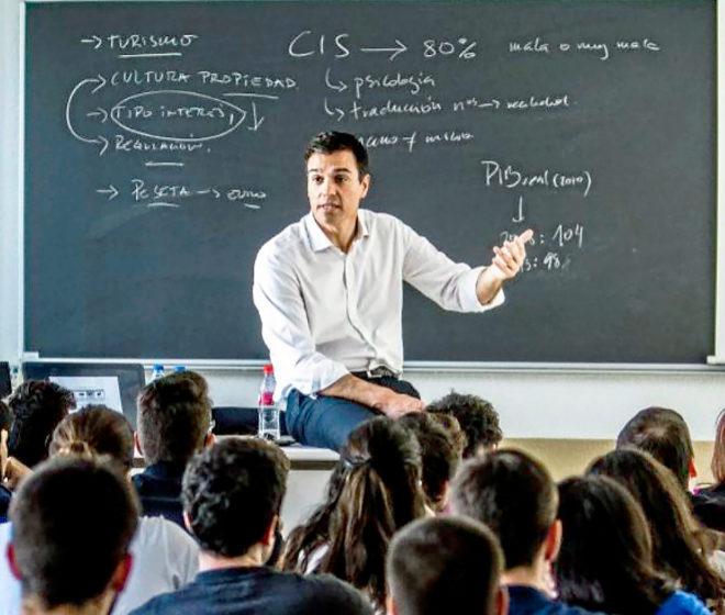 Pedro Sánchez imparte, en 2015, una clase en la Universidad Autónoma...