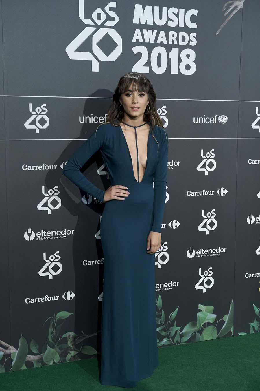 La ex concursante de Operación Triunfo arriesgó con un vestido con...