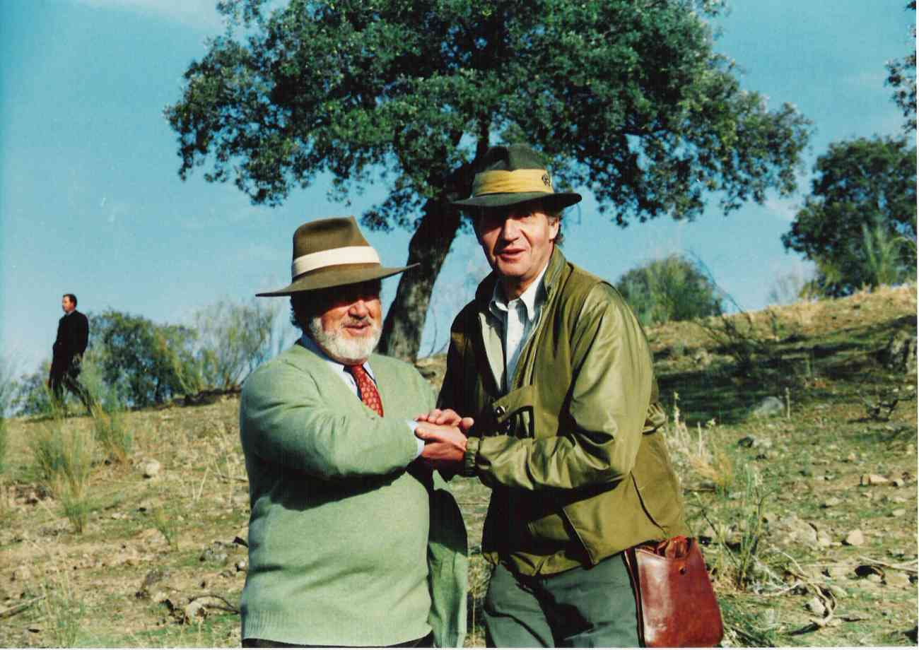 Aparte de elefantes, los dos amigos cazaban perdices en muchas...