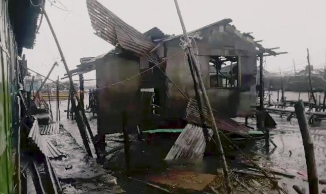 Casas destruidas tras el paso del tifón Mangkhut.
