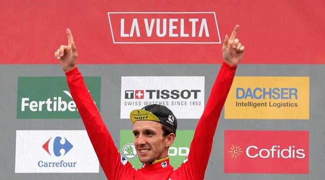 Simon Yates, en el podio de la Vuelta a España