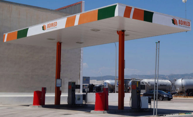 Una gasolinera de autoservicio en la capital de La Plana.