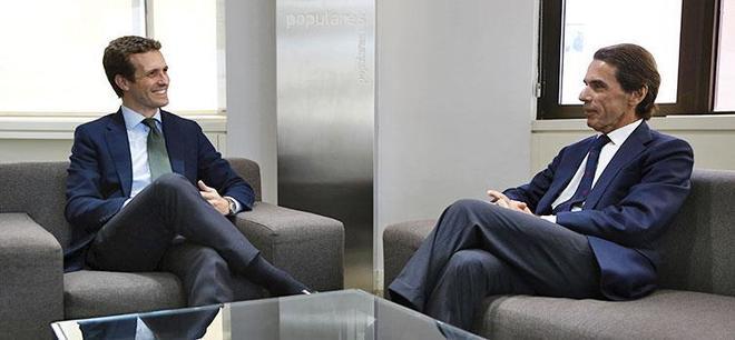 Aznar se desentiende de 'Gürtel' en una comparecencia bronca con Rufián e Iglesias